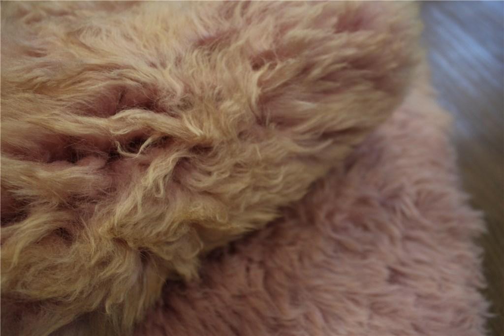 teppich schaffell lammfell teppich l ufer vorleger 60x90 cm leder pelz rosa ebay. Black Bedroom Furniture Sets. Home Design Ideas