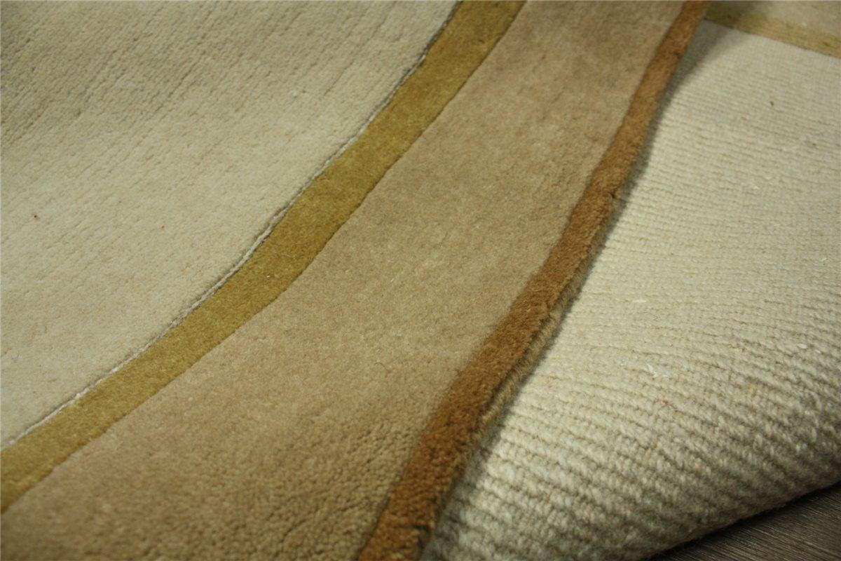 hochwertiger teppich nepal mit seide 250x350 cm 100. Black Bedroom Furniture Sets. Home Design Ideas