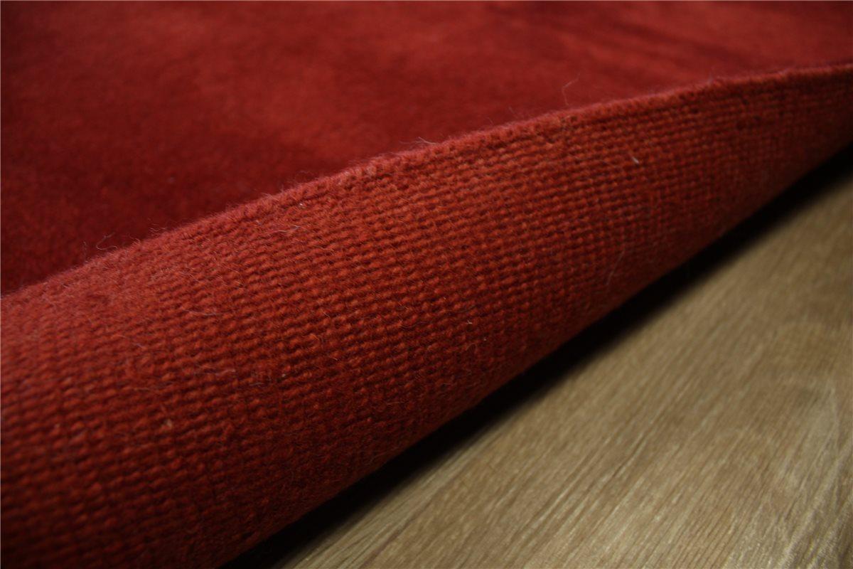 Tapis d39origine nepal avec cristaux swarovski 170x240 cm for Tapis rouge avec canapé 145 cm