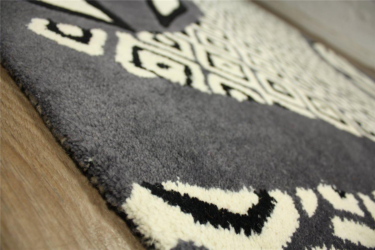 hochwertiger teppich 170x240 cm 100 wolle handarbeit. Black Bedroom Furniture Sets. Home Design Ideas